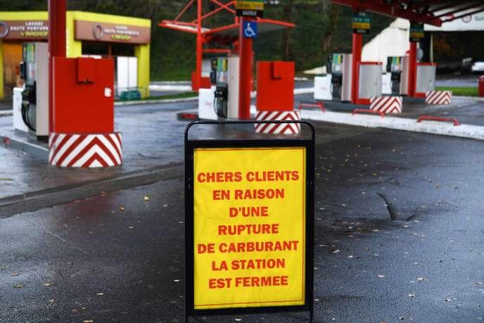 Dépôts pétroliers bloqué : stations-services réquisitionnées